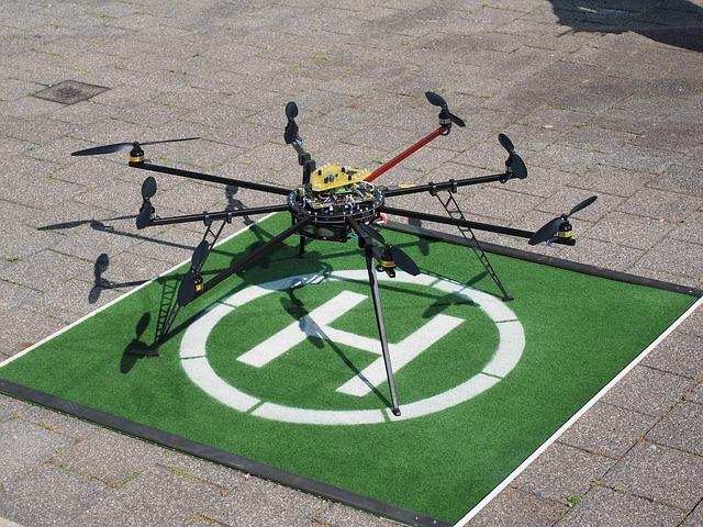 drone-592217_640
