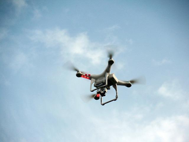 quadricopter-451754_640